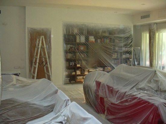 צביעת דירה בתל אביב בשיטת התזה בעזרת איירלס